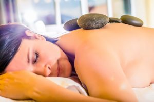 Hot Stone Massage in der Therme Gastein